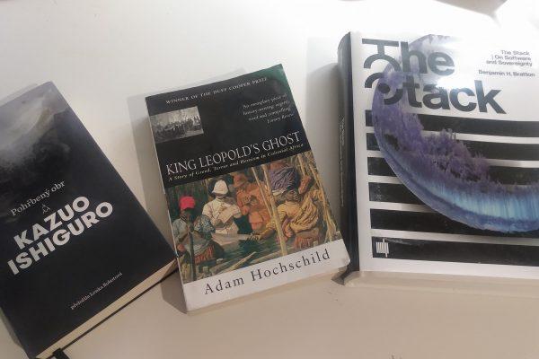 Vybíráme knížky, které vás uspí i pořežou