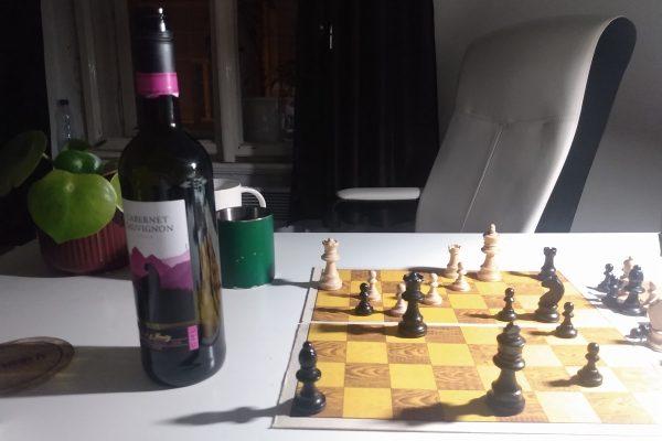 Večer se šachy a lahví vína je výjimkou – ten ocení úplně každý