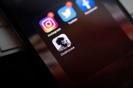 Hlas je zase cool. Přichází sociální síť Clubhouse