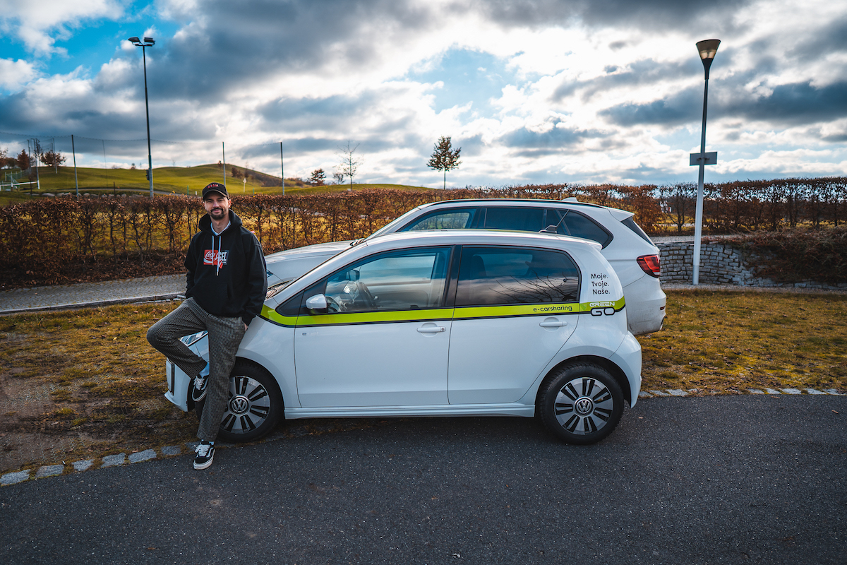 Letos se Jonáš Čumrik stal propagátorem elektromobilů GreenGo