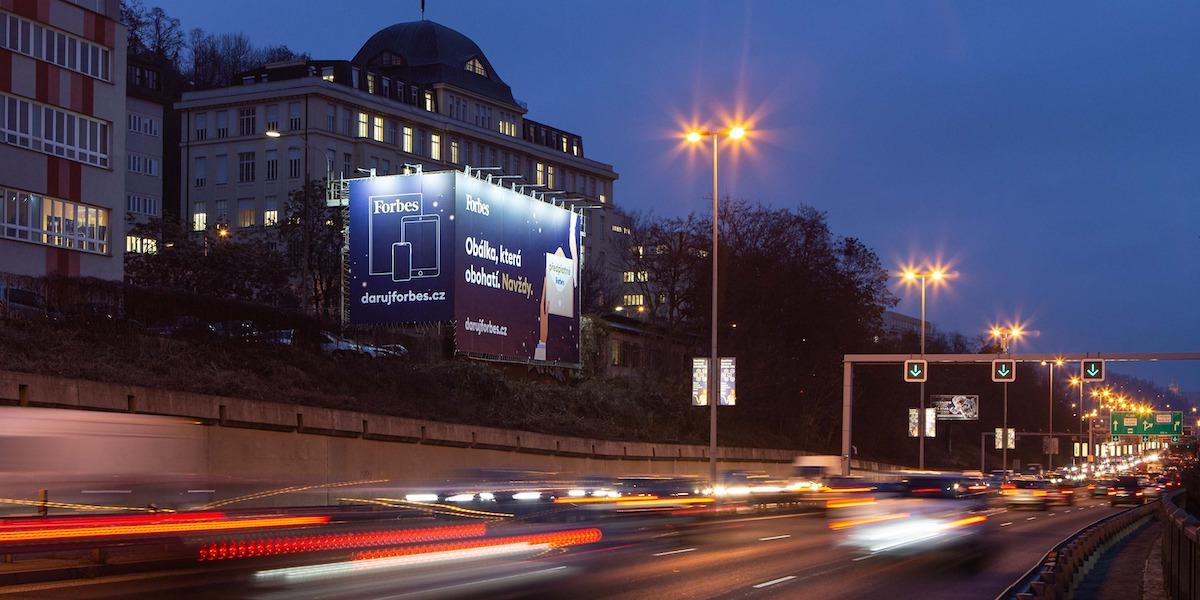 Jedna z reklamních ploch nabízených v hlavním městě společností Super poster
