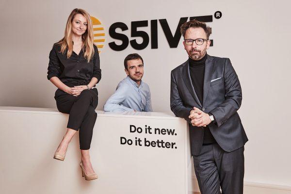 Scholz & Friends se mění na S5IVE, už není v WPP