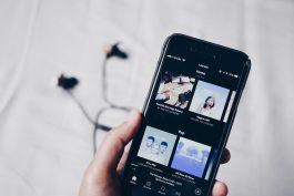 Spotify najme stovky lidí kvůli prodeji reklamy