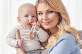 Mléka od Hami v klíčové komunikaci od Story tlrs ukazují skutečné matky s dětmi