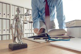 Radě ČT bude právní rady poskytovat kancelář Becker a Poliakoff