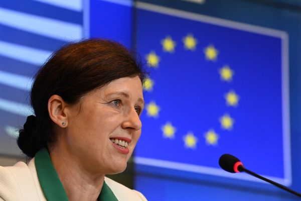 Evropská unie začne rozdávat granty redakcím