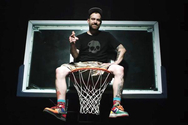 """""""Hej ty! Žádný hejty!"""" Rapper Kato pomáhá českému basketbalu apelovat na komunitu"""